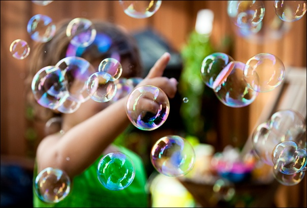 lilia_bubbles_backyard_01